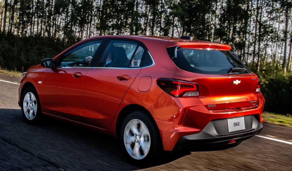Nova geração do Chevrolet Onix traseira