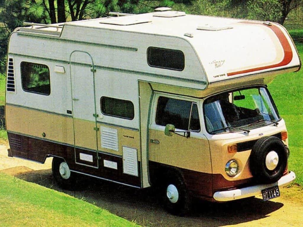 Volkswagen Kombi trailer Mobil Safari