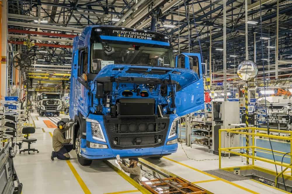 Volvo comemora recorde de vendas no Brasil com investimento de R$ 1 bilhão