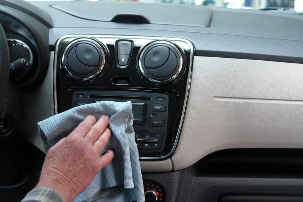 Limpeza carro coronavirus
