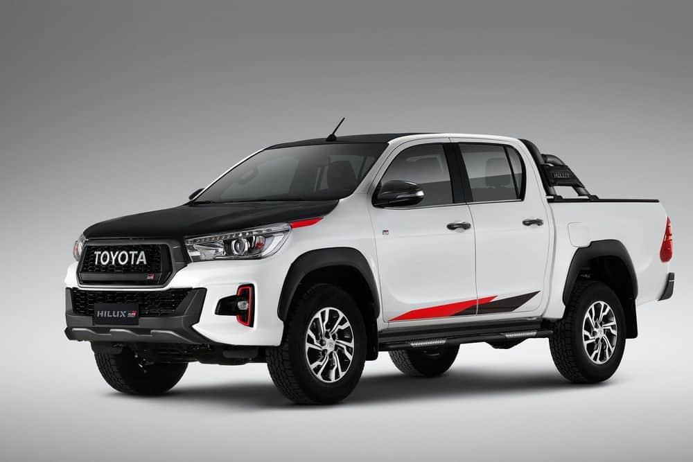 Toyota Hilux ganha motor V6 e vira a picape média mais potente no Brasil