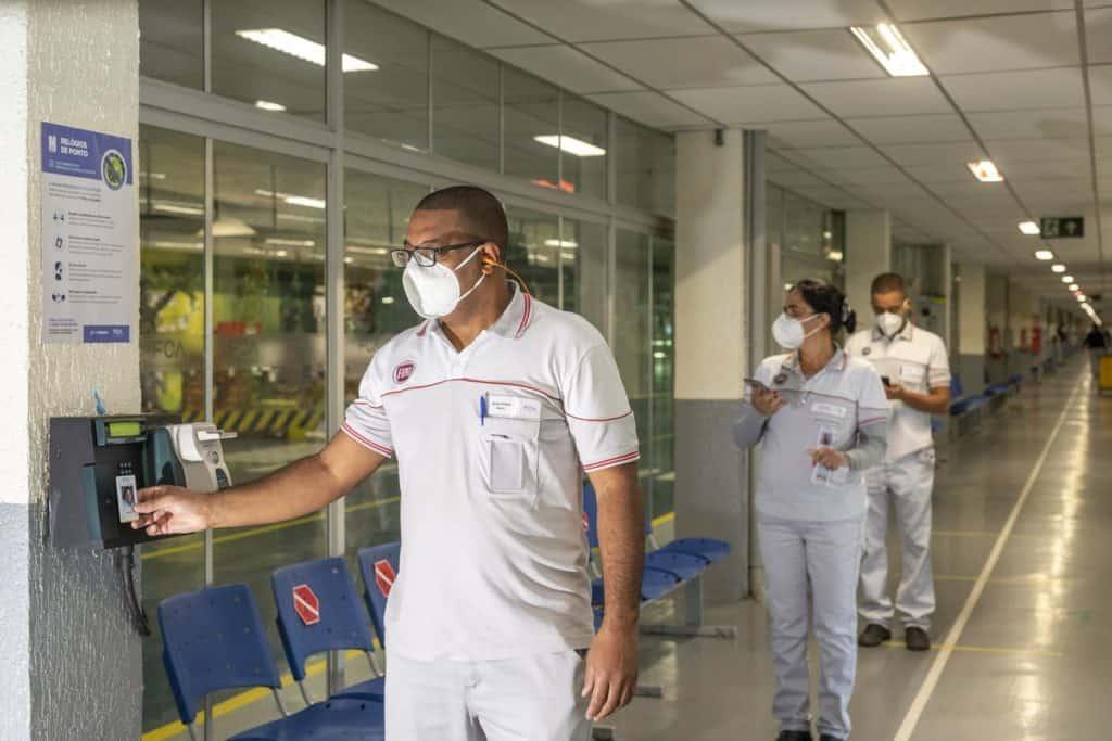 FCA fábrica coronavírus
