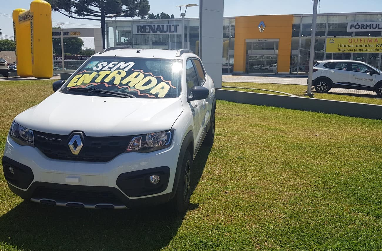 Na contramão do mercado, Renault reduz preços de carros em até R$ 7,4 mil
