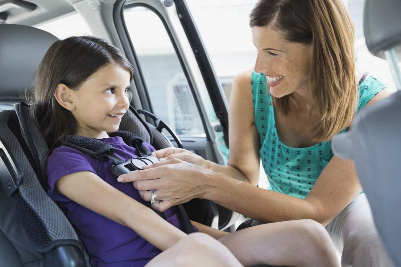 Cadeira de retenção infantil no carro