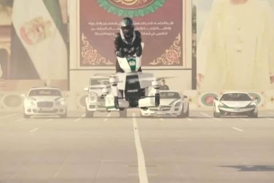Vídeo mostra acidente com moto voadora em Dubai