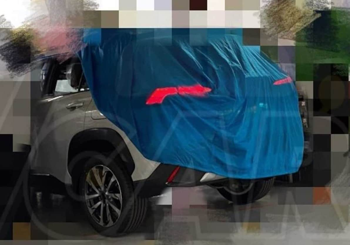 Toyota Corolla Cross flagra