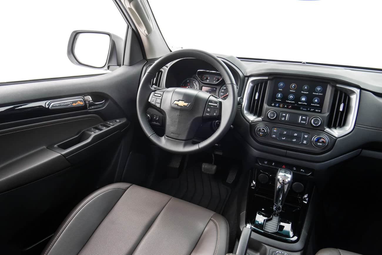 Chevrolet S10 2021 High Country interior