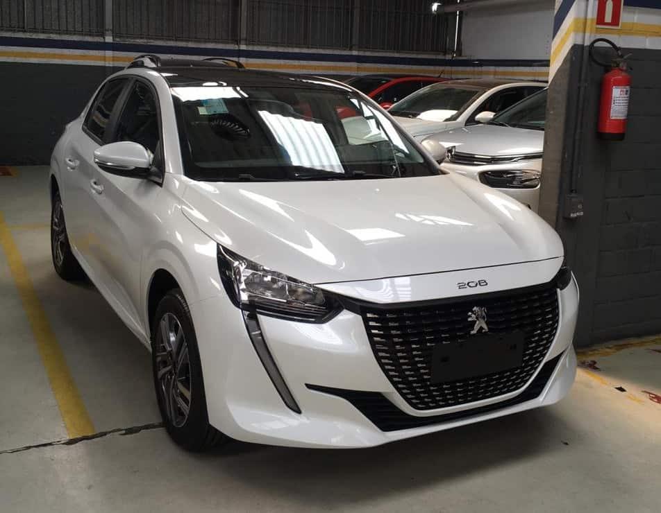 Peugeot lança novo 208, mas opção elétrica chega só em 2021; versões e preços