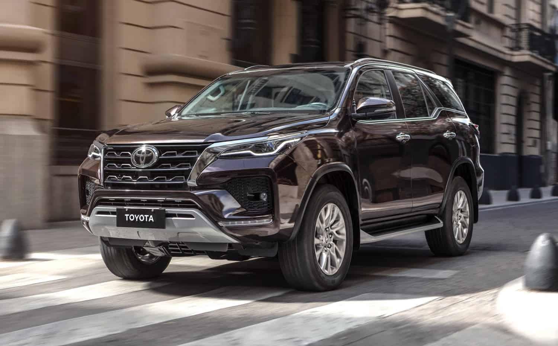 Dianteira da Toyota SW4 2021