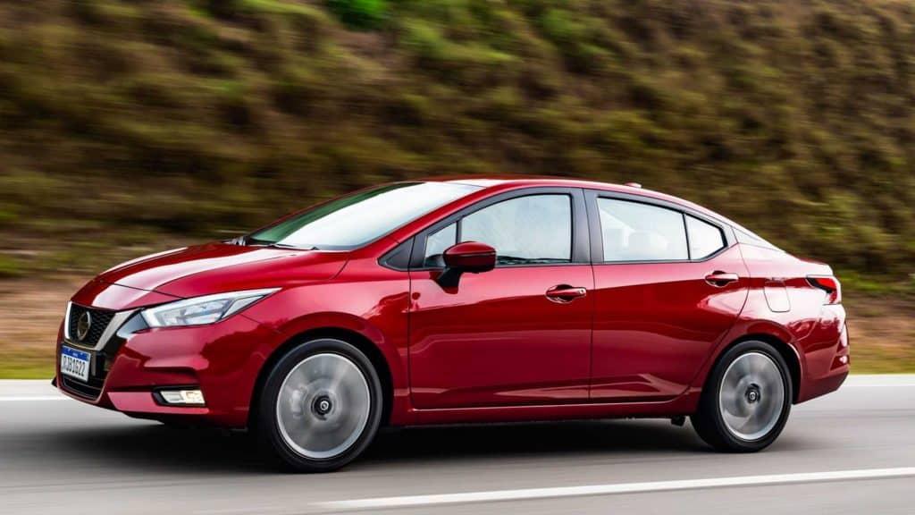 Novo Nissan Versa na estrada