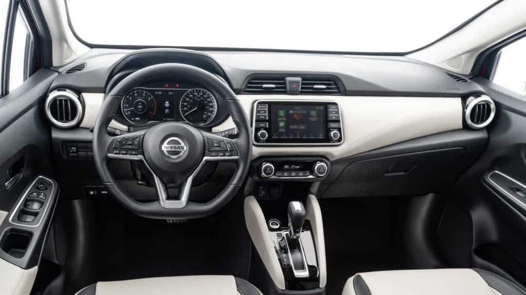 Interior do novo Nissan Versa