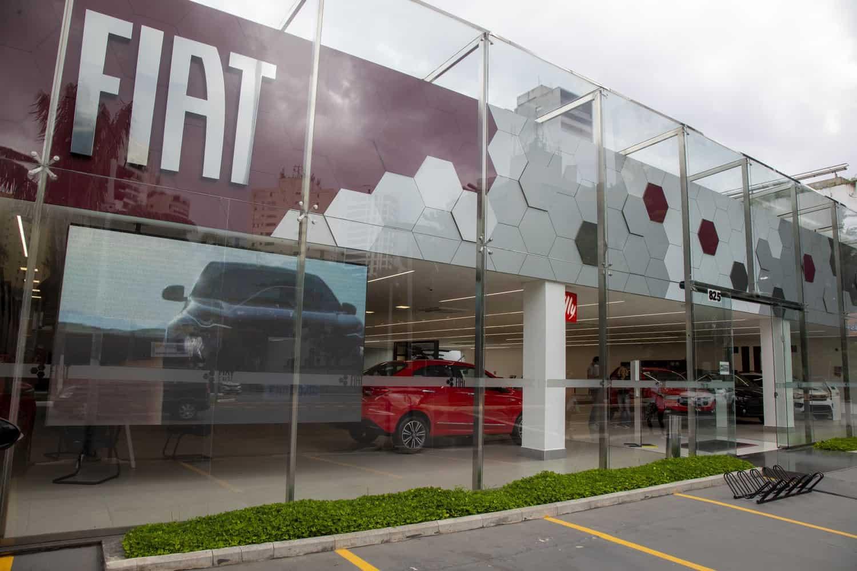 Fachada de uma concessionária Fiat, em São Paulo
