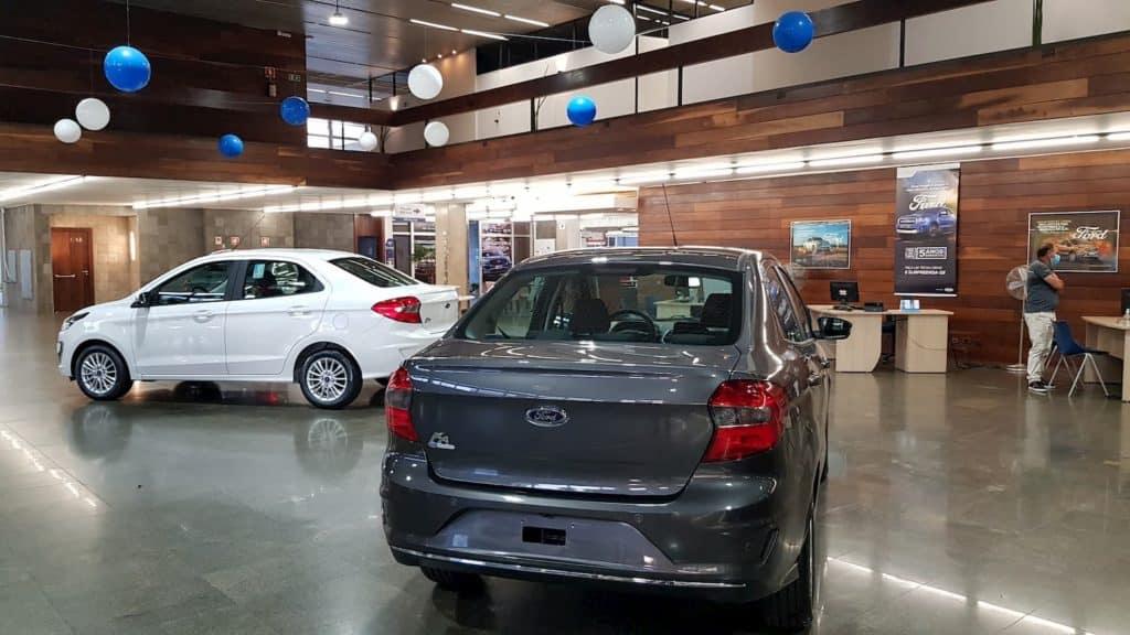Ka Sedan no showroom da Ford Slaviero, em Curitiba