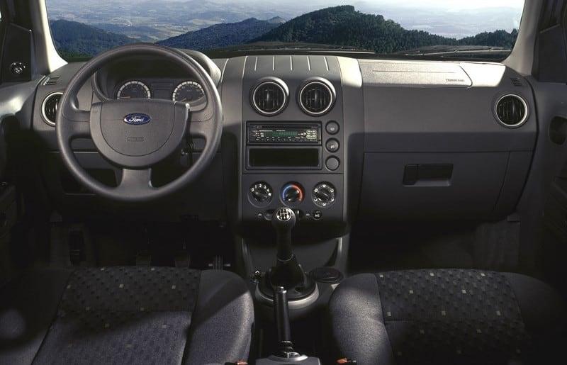 Interior da primeira geração do Ecosport