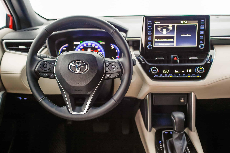 Interior do Toyota Corolla Cross Hybrid